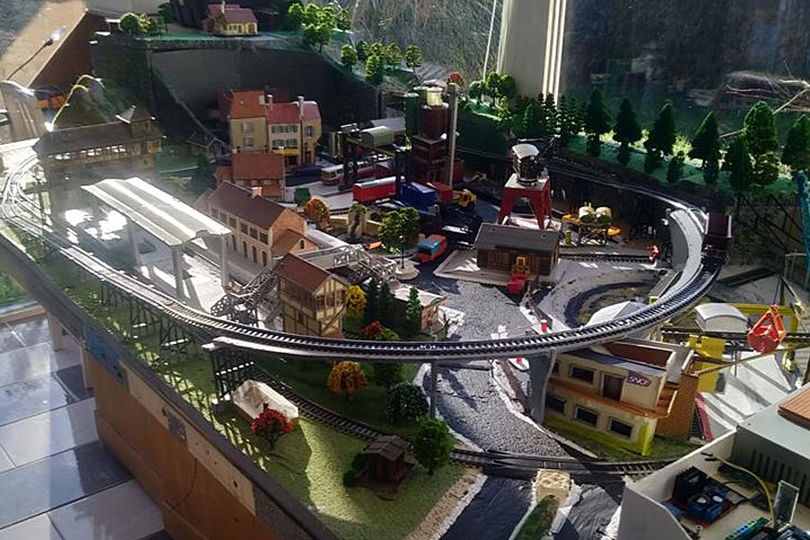France Idyllic Railway Layout by Alain